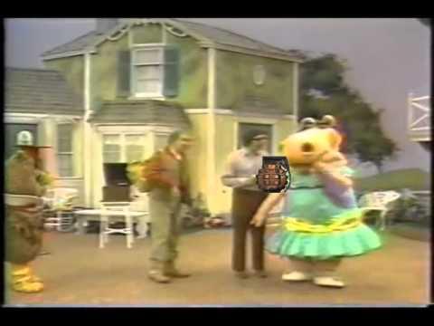 New Zoo Revue  Doug Drops a Grenade!