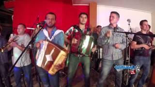 Chepe Arevalo Con Banda NC - No Vales Ni Un Peso (En Vivo 2014)