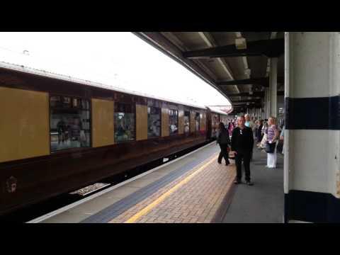 Trains-British Pullman