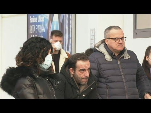 Coronavirus covid-19 en Italie: les habitants se ravitaillent au supermarché | AFP Images