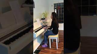 Bà Trần hát Tôn Vinh Chúa bài hát: Lạy Chúa Con Khao Khát Ngài.