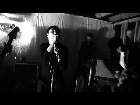 Savages - Shut Up (Live at The Führer Bunker, Salford)