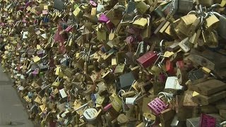 Paris 'love Locks' Removed From Sweethearts' Bridge