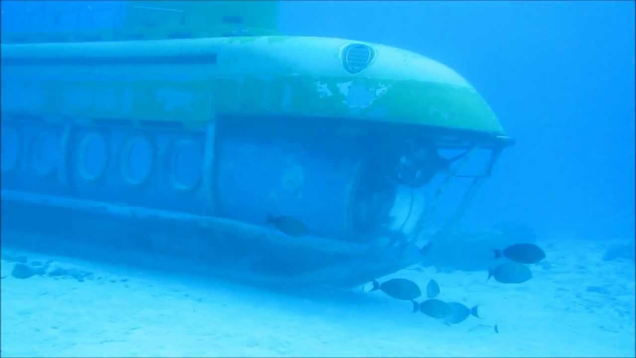 潜水艦による魚の餌付け 2010 Saipan Submarine,Fish feeding - YouTube