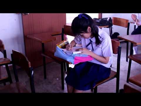 นักเรียนธรรมะศึกษา วัดเฉลิมพระเกียรติ ( แอบถ่ายหนู อั้ม )