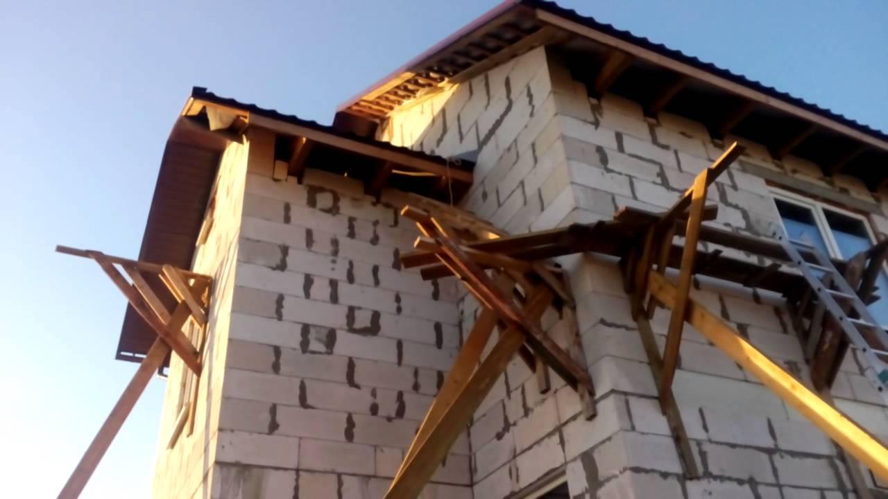 фронтонный свес крыши фото