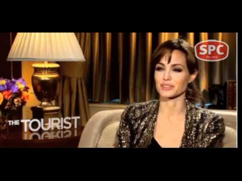 Angelina Jolie's Motherly Advice For Jackie O