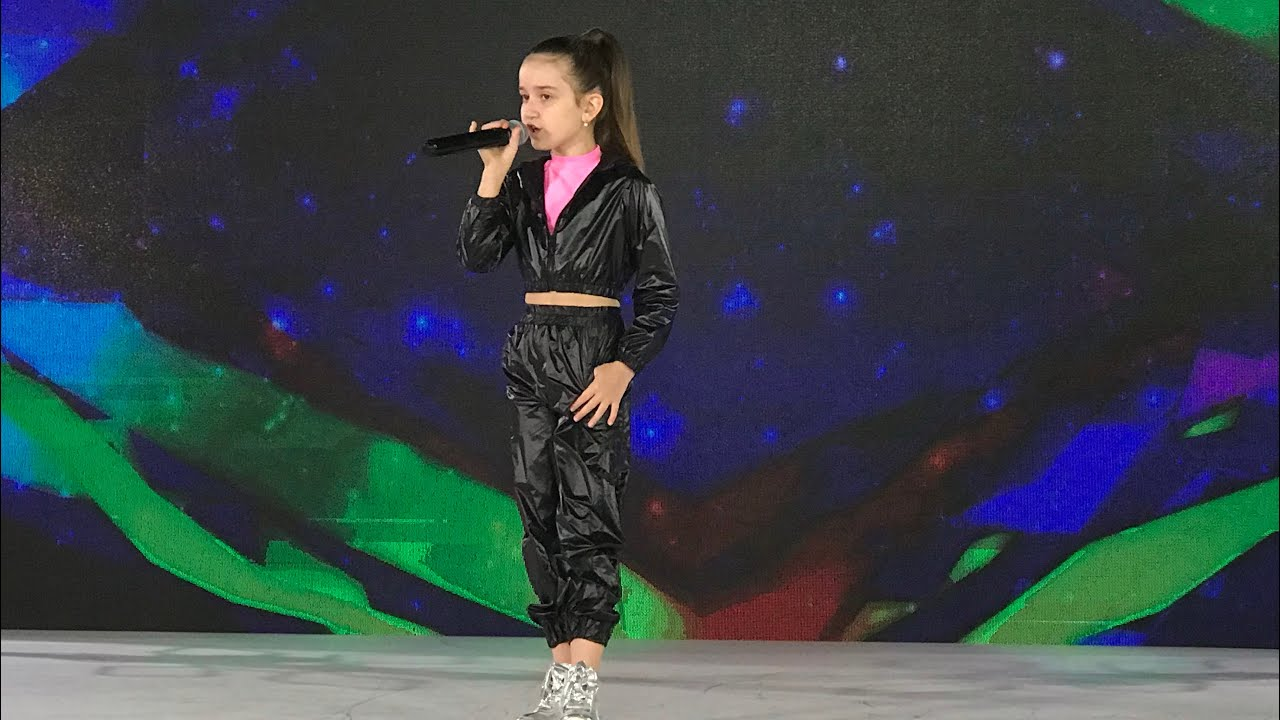 LIVE - Adela Borș - Tik Tok