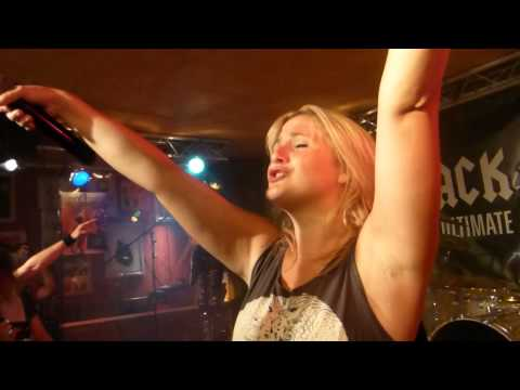 Back:N:Black (AC/DC's girls tribute) - Whole Lotta Rosie (live Mr Pickwick Genève 05/09/14)