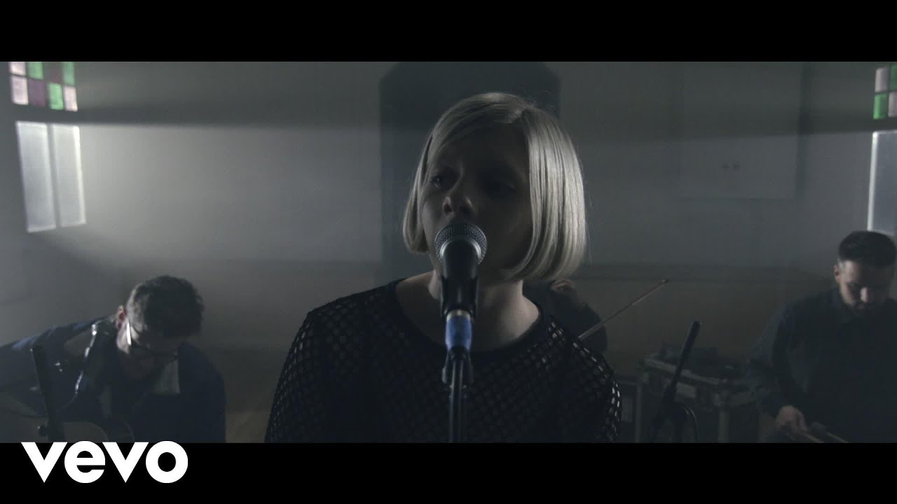Aurora Running With The Wolves Live Session Youtube