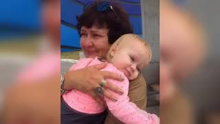 Мать Безуса впервые увидела внучку (ondom2.com)