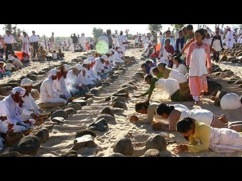 Lễ hội Ramưwan Của Người Chăm Ninh Thuận [Du Lịch Văn Hóa Việt Nam]