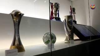 شاهد.. برشلونة يستعرض بطولاته هذا الموسم بمتحف النادي