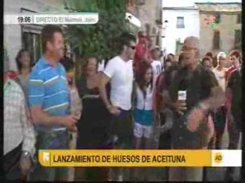 Lanzamiento de huesos de aceituna con la boca - El Mármol (Jaén)