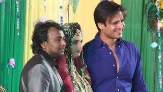Vivek Oberoi at singer Shabbir Ahmed