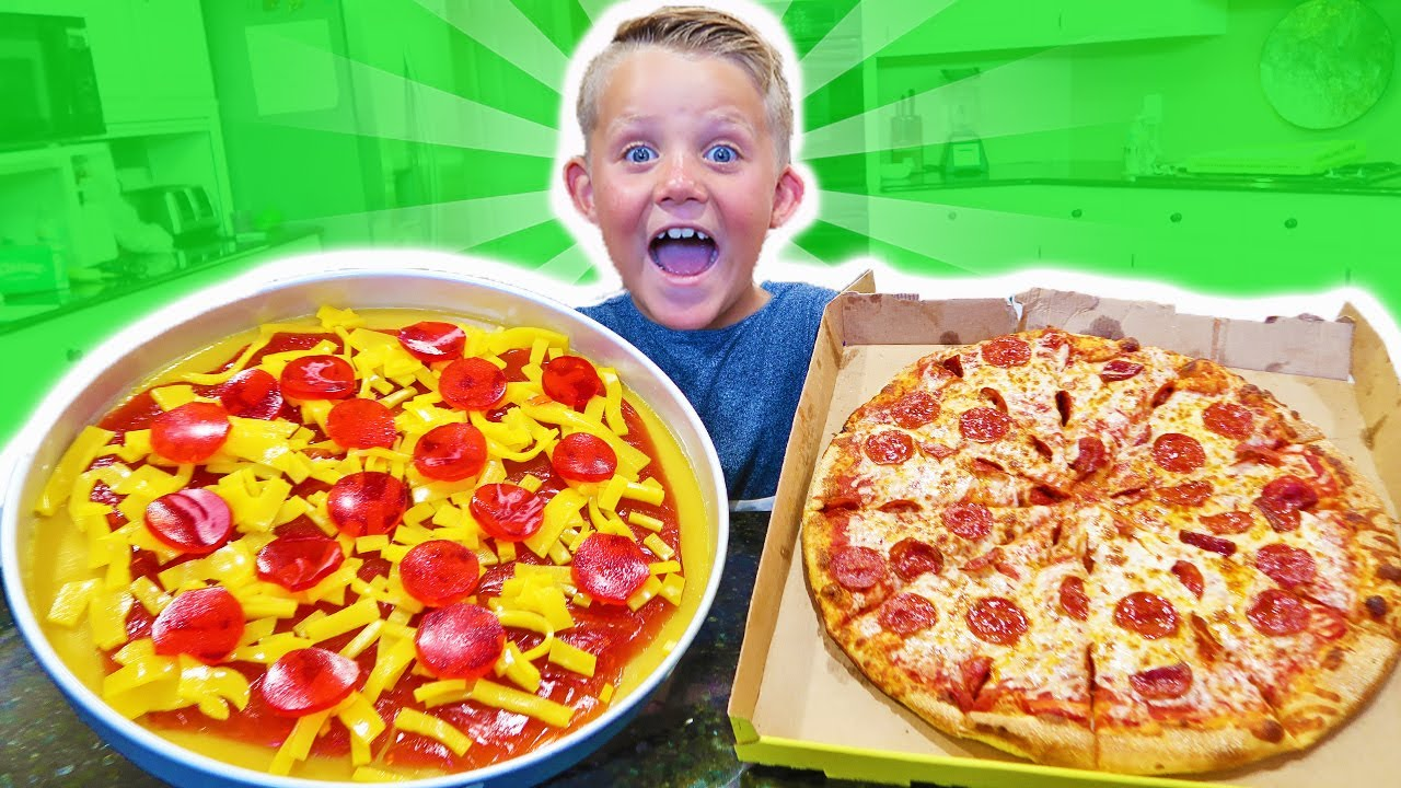 Candy food pizza vs real food pizza youtube for Cuisine vs food