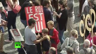Video La France insoumise manifeste à Paris contre le «coup d'Etat social» d'Emmanuel Macron download MP3, 3GP, MP4, WEBM, AVI, FLV Oktober 2017