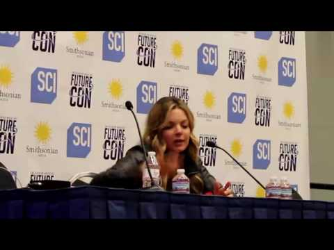 Clare Kramer at Awesome Con 2017