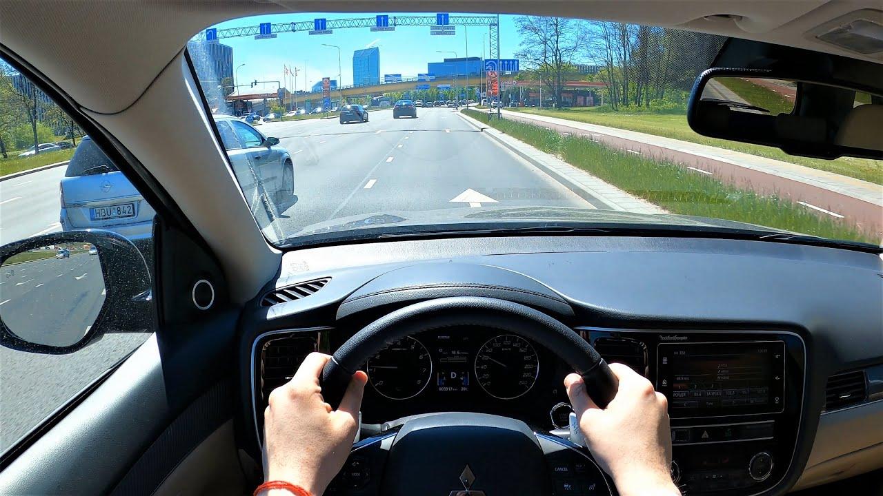 Mitsubishi Outlander Instyle POV test drive. Mitsubishi Outlander Instyle driver visibility.