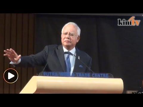 """""""Ada seorang 93 tahun tak mahu bersara lagi,"""" sindir Najib"""