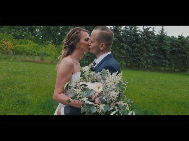 Skromná svatba plná lásky, dětí a dobrých přátel | Adéla a Ondra