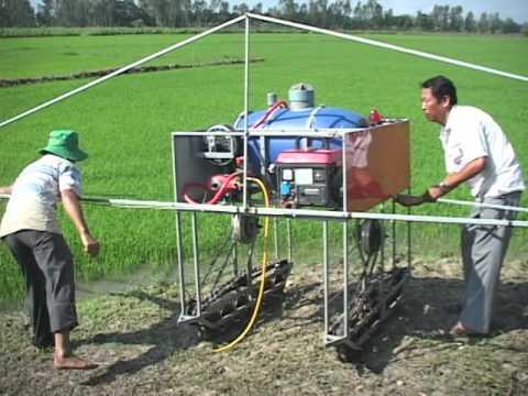 Giới thiệu máy phun thuốc bảo vệ thực vật điều khiển từ xa