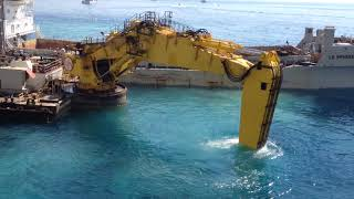 Extension in the Sea of Monaco 1 Big Excavator 18/08/17