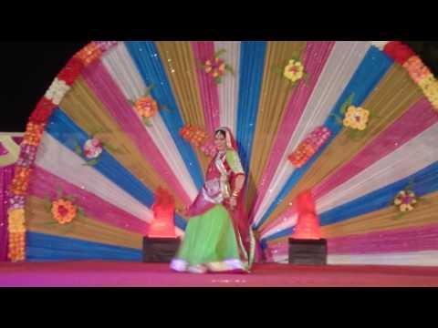 Rajasthani dance dekho dhol nagada baje...