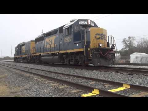 CSX Freight Train Lots Of Air Horn Noise