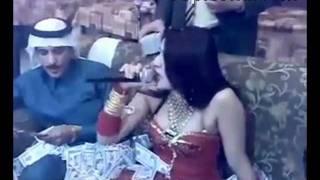 Repeat youtube video Sheiku te mbulon me pare , E mbulon me pare kengetaren , i qet Pare