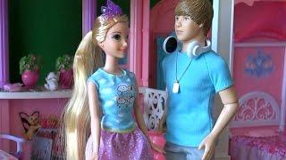 Видео с куклами Барби, серия 431, Джастин Бибер и Рапунцель в доме мечты Барби