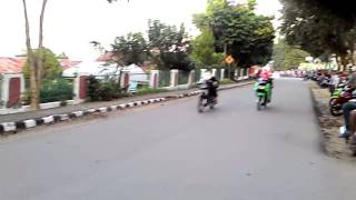 Video Balap liar Ninja R bunglon vs Ninja RR SandyBL (Kerinci-Sungai Penuh) download MP3, 3GP, MP4, WEBM, AVI, FLV Oktober 2018