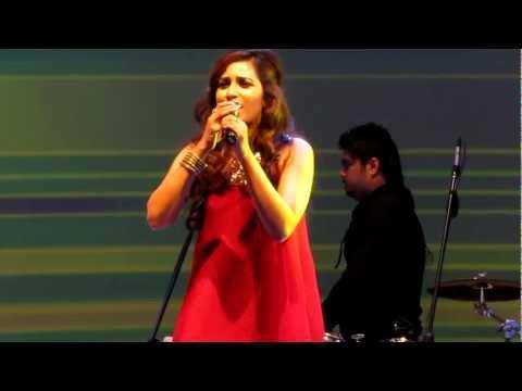 Shreya Ghoshal- Tere Mast Mast Do Nain