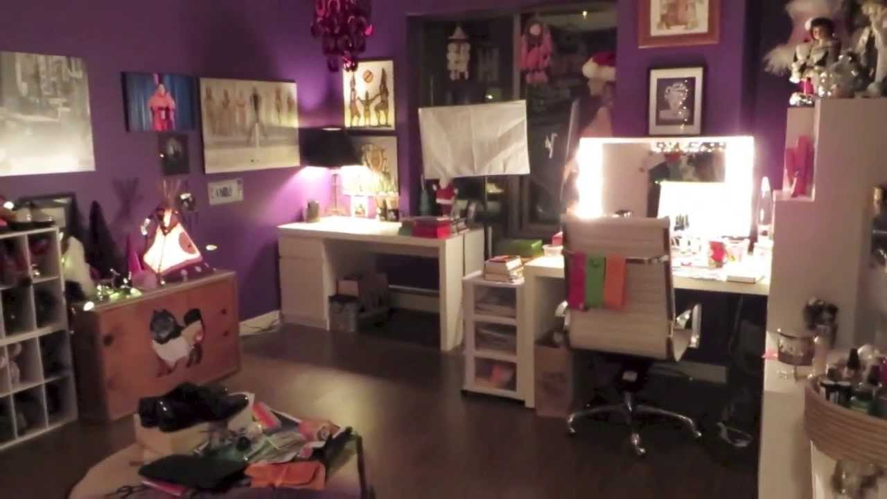 Make up Room Christmas Decorating - YouTube on Make Up Room Design  id=13913