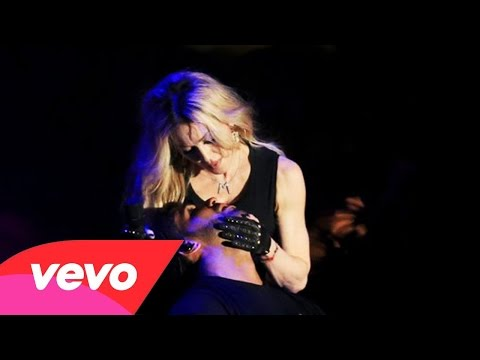Madonna Kisses Drake On Stage (Coachella)