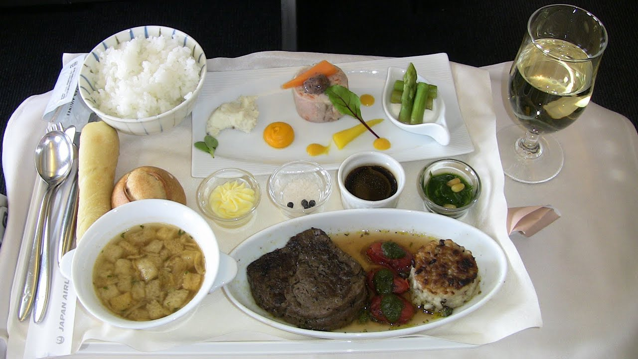 I was hilarity in the business class of jal japan for Airasia japanese cuisine