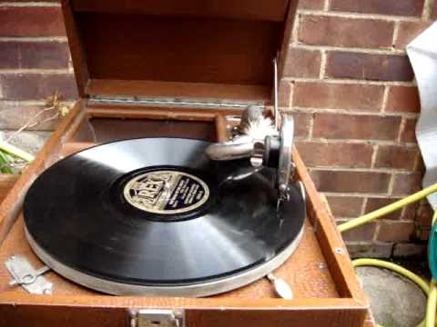 Antique Vintage Old Portable His Master Voice   H M V  GRAMOPHONE Working Order