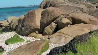 Normandie Fermanville plage bord de mer au ras des rochers