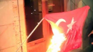 В Ереване сожгли флаг Турции | NO COMMENTS