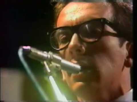 Elvis Costello 1st TV interview