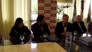 Intendente Esteban Aviles (Carlos Paz) en acuerdo con Eukanuba y presentación web mascotas