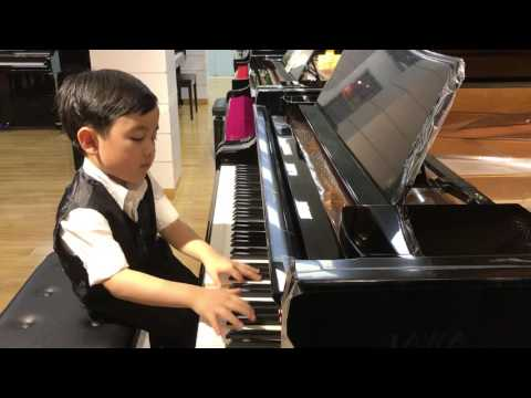 Christmas Medley (Evan Le 5 years 6 months)