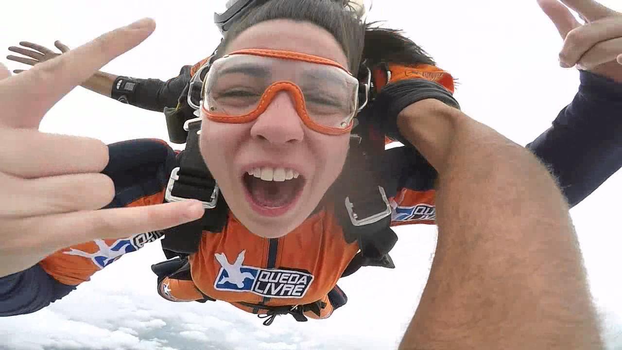 Salto de Paraquedas da Julia S na Queda Livre Paraquedismo 21 01 2017