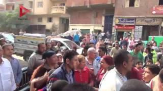 بالفيديو| سيدة تصرخ في وجه محافظ الجيزة: منكم لله