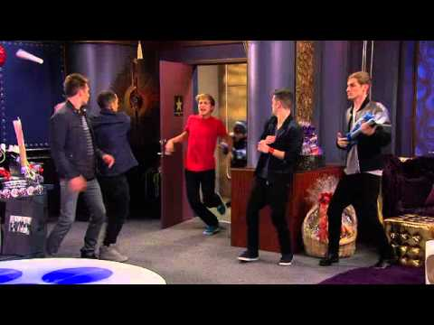 Marvin Marvin meets Big Time Rush - YouTube