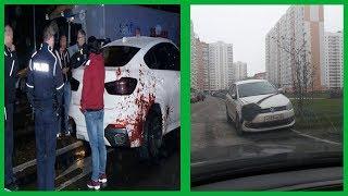 29 voitures totalement improbables vues sur les diverses routes du monde