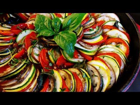 وجبة-غذاء-فرنسية-رائعة-طبق-غتاتوي-ratatouille-recette