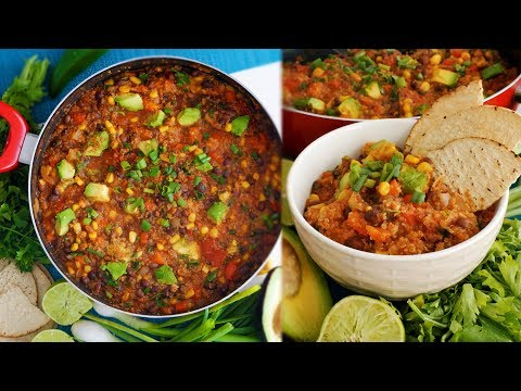 ONE POT MEXICAN QUINOA CHILI RECIPE | Easy, Cheap, & Vegan | Vlogmas Day 20