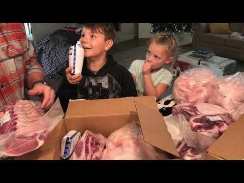 Our Fat Old KUNEKUNE Pig Gave Us A LOAD Of Pork!