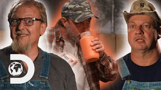 Tim Loses $1000 Bet To Digger Over Who Makes The Best Moonshine | Moonshiners: Master Distiller